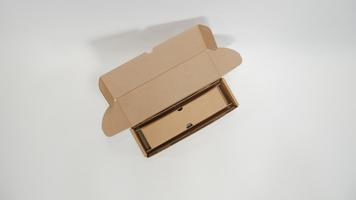packaging for shipping wine bottle